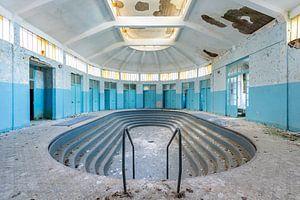 Verlassenes Schwimmbad von William Linders