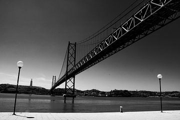 Ponte 25 de Abril in Lissabon von Lizanne van Spanje