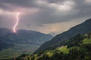 Bliksem in de Alpen van Menno van der Haven