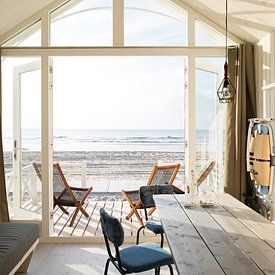 Haags Strandhuisje avec vue sur la mer sur Maurice Haak