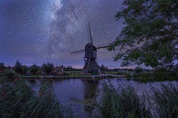 moulin à vent de nuit dans la digue pour enfants avec des étoiles sur Nfocus Holland