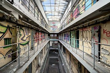 cellen, urban exploring van Henk Elshout