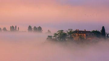 Villa im Nebel, Toskana von Henk Meijer Photography
