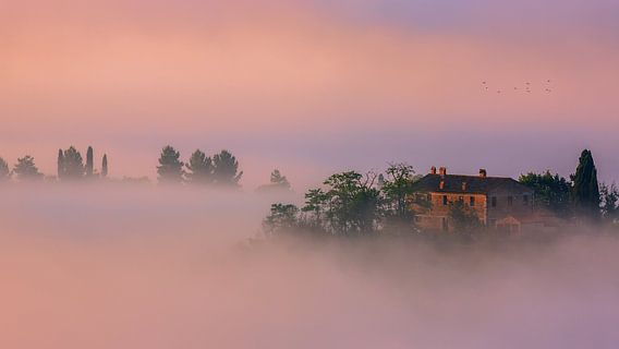 Villa in de mist, Toscane