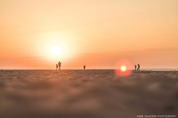 Zonsondergang Scheveningen Strand van Anne Zwagers