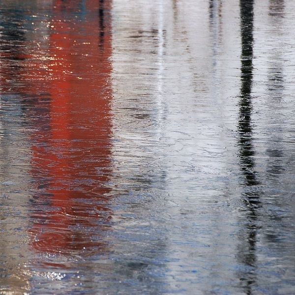 Abstract in rood wit van Annemie Hiele