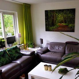 Klantfoto: Wandelpad door het bos van Rietje Bulthuis, op canvas