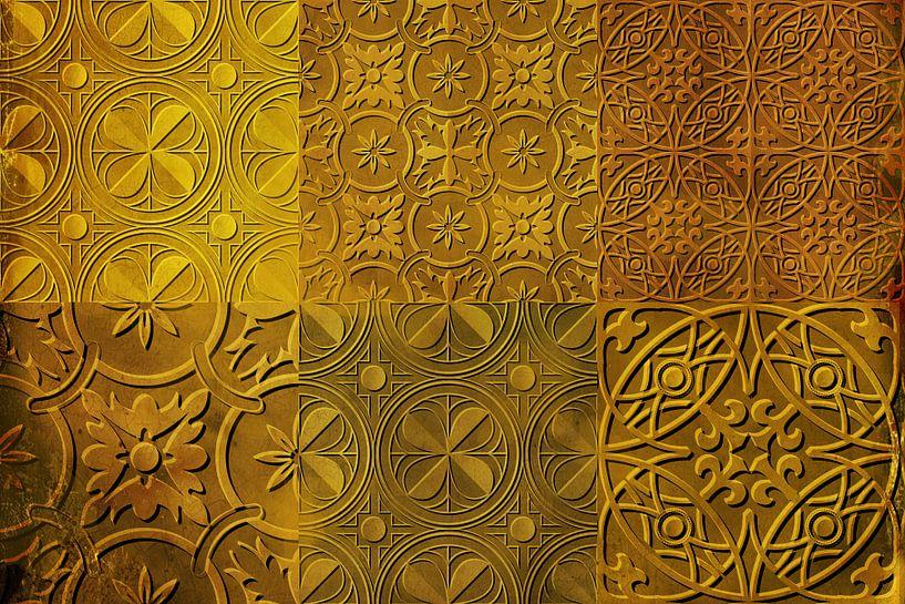 Collage van tegelmotieven in goudgeel van Rietje Bulthuis