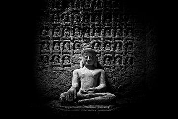 Boeddha in tempel complex Mrauk U Sittwe Myanmar/Birma.