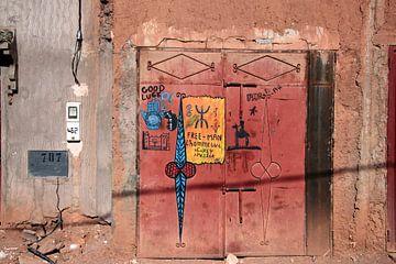 Tür in Südmarokko. von Jan Katuin