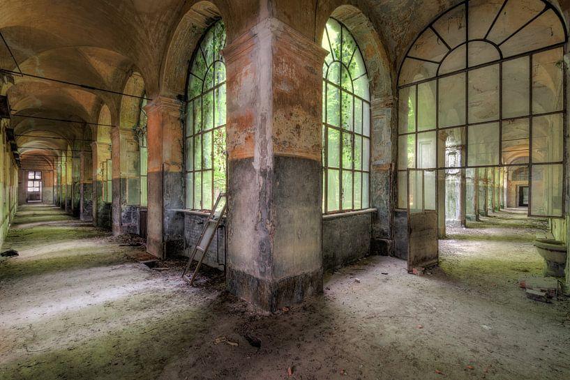 Farbiger Korridor von Perry Wiertz