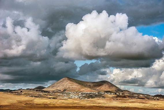 Landschap Lanzarote van Harrie Muis
