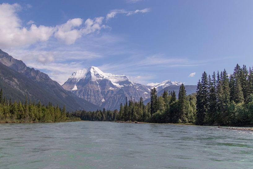 Mount Robson Canadian Rocky Mountains van Joost Winkens