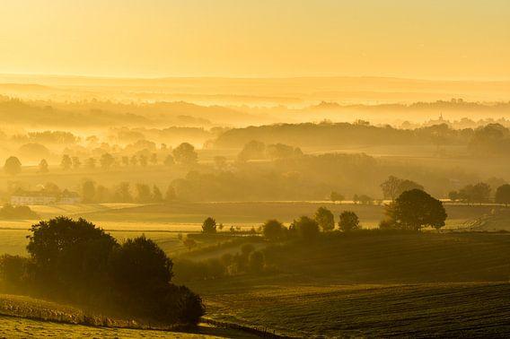 Zuid-Limburgs heuvellandschap van Peter Lambrichs
