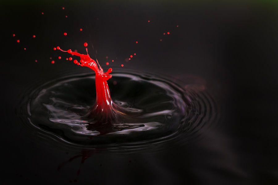 Dramatisch Rood zwart  van Dennis van de Water