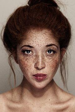 Freckled Girl portrait von Ion Chih