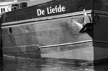 """Boot """"Liebe""""Detailbild schwarz-weiß liegend von Marion Hesseling"""