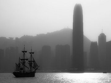 Hong Kong Skyline zwart wit van Albert Dros
