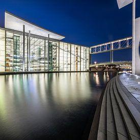 Berlin Regierungsviertel zur blauen Stunde von Frank Herrmann