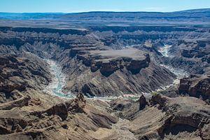 Indrukwekkend uitzicht op bocht in de Fish River Canyon,  Namibië van
