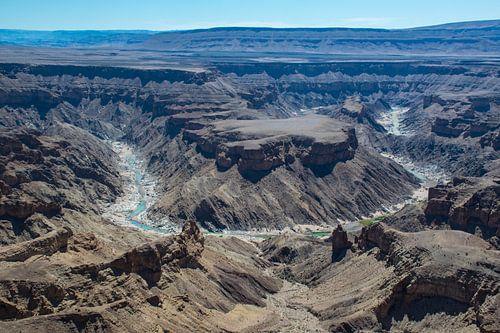 Indrukwekkend uitzicht op bocht in de Fish River Canyon,  Namibië