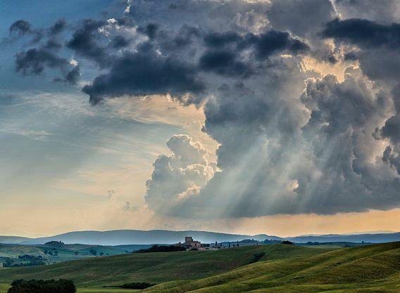 Donderwolk boven Toscane