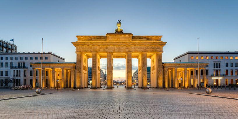 Brandenburg Gate Panorama van Michael Valjak