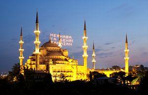Blauwe Moskee na zonsondergang van