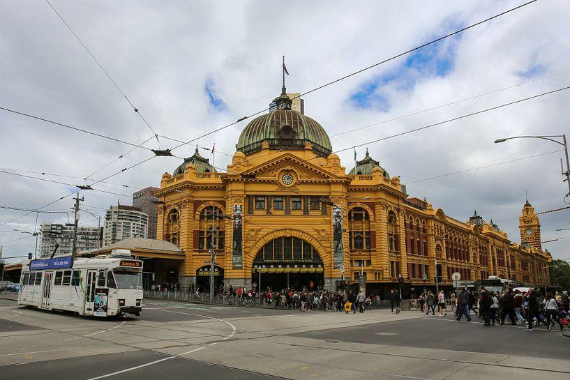 Flinders Street Station in Melbourne, Victoria, Australien von Marcel van den Bos