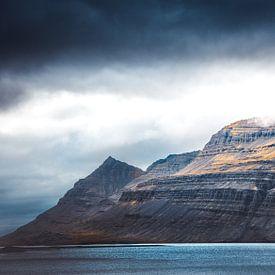 majestueuze berg Ijsland  van Niels Hemmeryckx