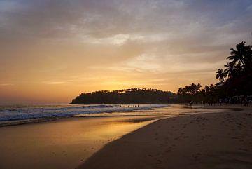 Sonnenuntergang am Strand von Bente van Maris