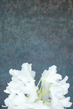 Ophelia #4 (De vijver) (versie met bloem onder) van Remke Spijkers