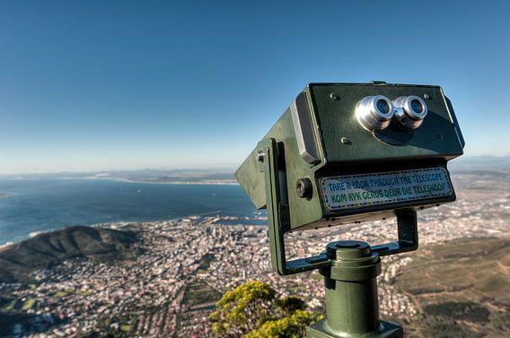 Uitzicht op Kaapstad vanaf de Tafelberg van Esther Seijmonsbergen