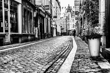 Een eenzame figuur #5 van A. David Holloway