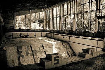 Das verlassene Schwimmbad, Pripyat von Caught By Light