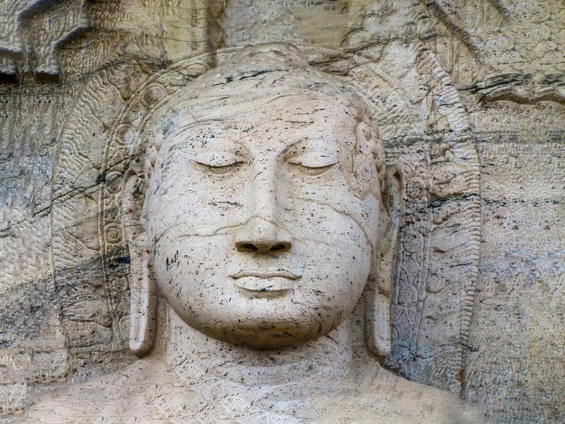 Boeddha met lange oren, Gal Vihara, Sri Lanka van Rietje Bulthuis