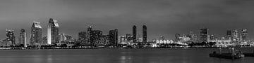SAN DIEGO Skyline le soir | Panorama Monochrome sur Melanie Viola