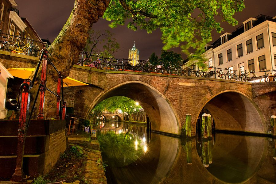 Utrecht Oudegracht: Domtoren bij Harmburgerbrug