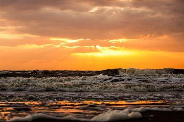Onstuimige zee von Leon Weggelaar