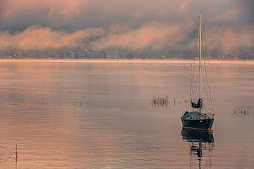 Zonsopkomst Murten, Zwitserland van Henk Meijer Photography