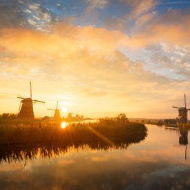 Zonsopkomst met de molens van Kinderdijk van iPics Photography