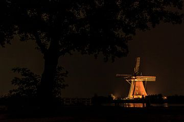 Overwaardse molen tijdens Verlichtingsweek van Stephan Neven