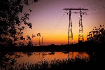 silhouetten bij zonsondergang van Marinus Engbers