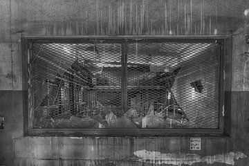 Fenster vergittert (urbex) von Jaco Verheul