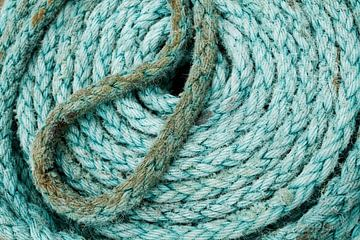 Turquoise touw van Larka Louwe