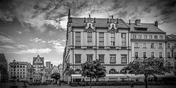 WROCLAW Market Square, New Town Hall and tenement houses | panorama monochrome