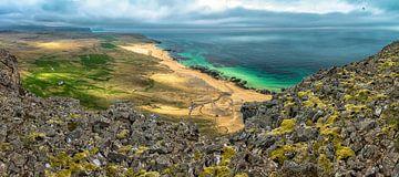 Uitzicht Latrabjarg Iceland van Mart Stevens