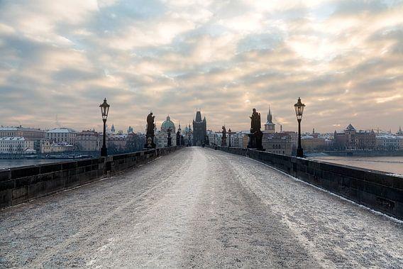 Sneeuw op de Karelsbrug