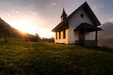 Kirche im Sonnenlicht von Markus Stauffer