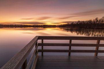 Steg bei Sonnenuntergang